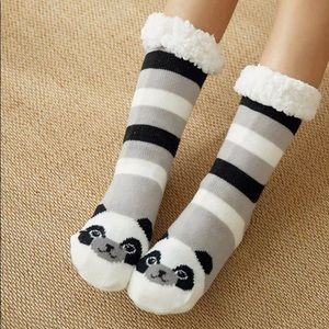 NWT Gray Panda Fleece Lined Christmas Winter Socks